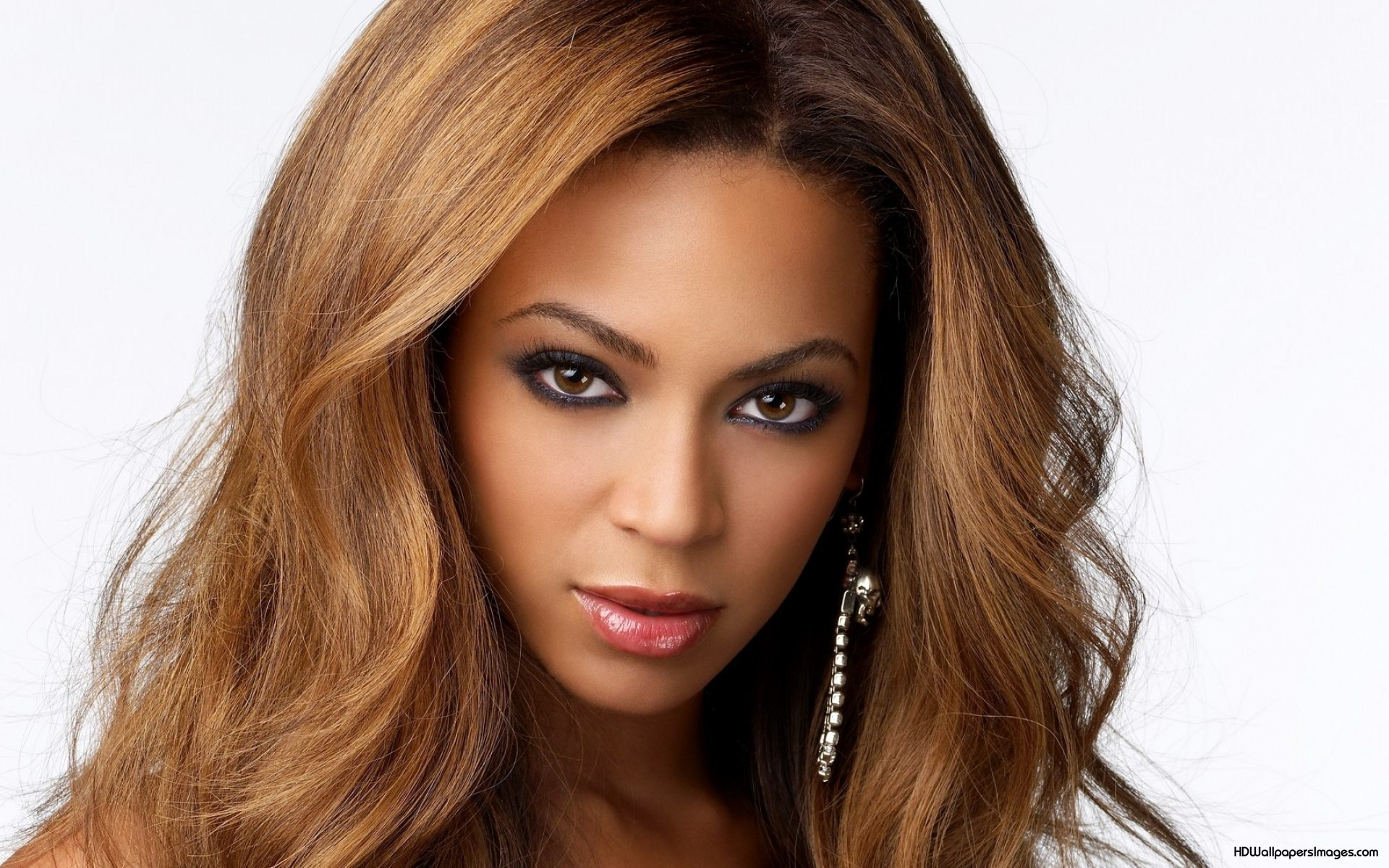 Beyonce-Knowles-2014 | MOGUL MEDIA TV