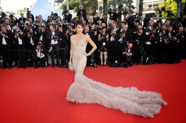 EVA-LONGORIA-at-65th-Cannes-Film-Festival-Opening-Ceremony-passion4luxury
