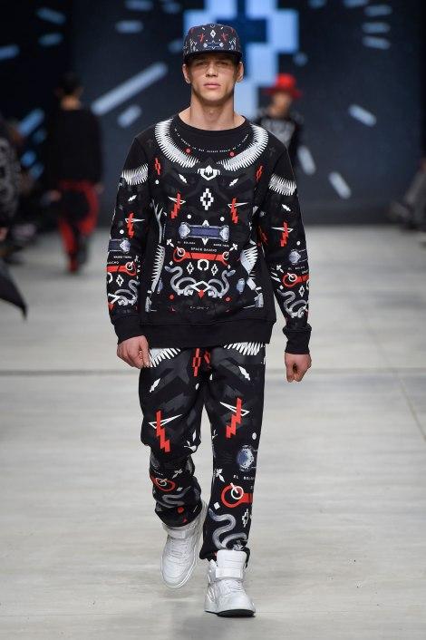 Marcelo-Burlon-County-Of-Milan-Menswear-Fall-WInter-15-16-Show-Milan-Men-Fashion-Week-Look-17