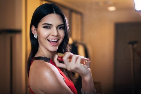 Estee-Lauder-Ad-Get-Kendall-Jenners-Fiery-Look-6