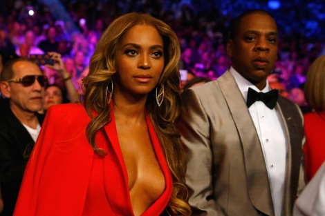 LAS VEGAS, NV - MAY 02:  Beyonce Knowles and Jay-Z attend the welterweight unification championship bout on May 2, 2015 at MGM Grand Garden Arena in Las Vegas, Nevada.  (Photo by Al Bello/Getty Images)