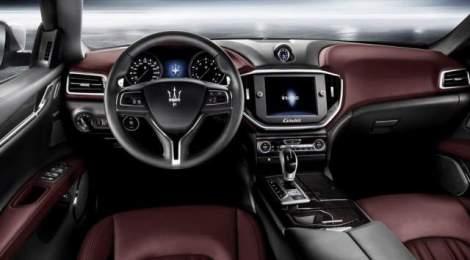 2016-Maserati-Levante-interior